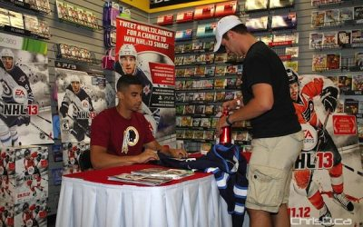 Kane Signs for Jets Fans as 'NHL 13' Launches