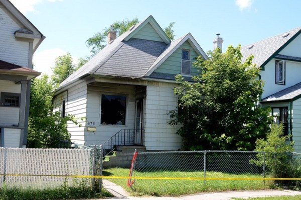 A man is dead after a fire at this house on Pritchard Avenue on Monday, July 20, 2015. (CHRISD.CA/STAN MILOSEVEC)