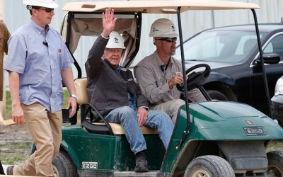 Jimmy Carter Returns to Winnipeg Charity Project After Hospital Stay