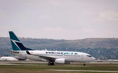 Air Canada, WestJet Raising Checked Baggage Fee to $30 for Lowest Fare Passengers