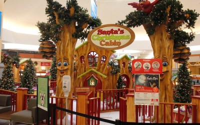 Winnipeg Mall's Old Santa Display Raises $5,000 for CRF