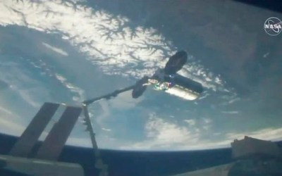 Private Cargo Ship Brings Easter Feast, Canadian Treats to Space Station