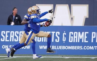QB Chris Streveler Leads Blue Bombers Over Roughriders to Maintain First in West