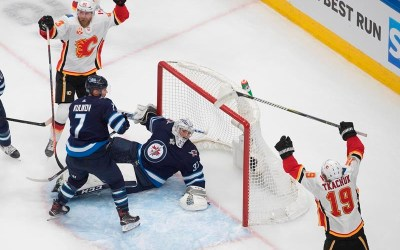 Flames Defeat Jets 4-0 to Win NHL Qualifying Series Three Games to One