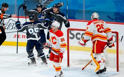 Winnipeg Jets Score Three Second-Period Goals En Route to 4-1 Win Over Calgary Flames