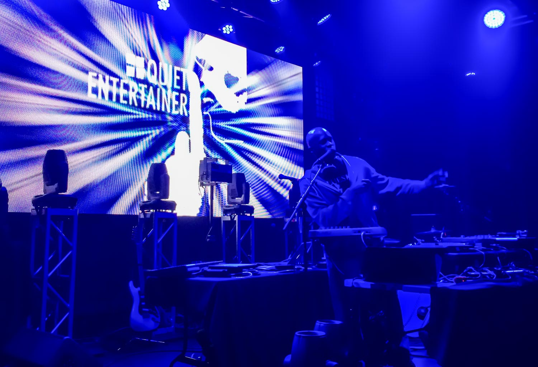 Quiet Entertainer Nashville Live