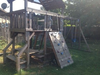 playset-before