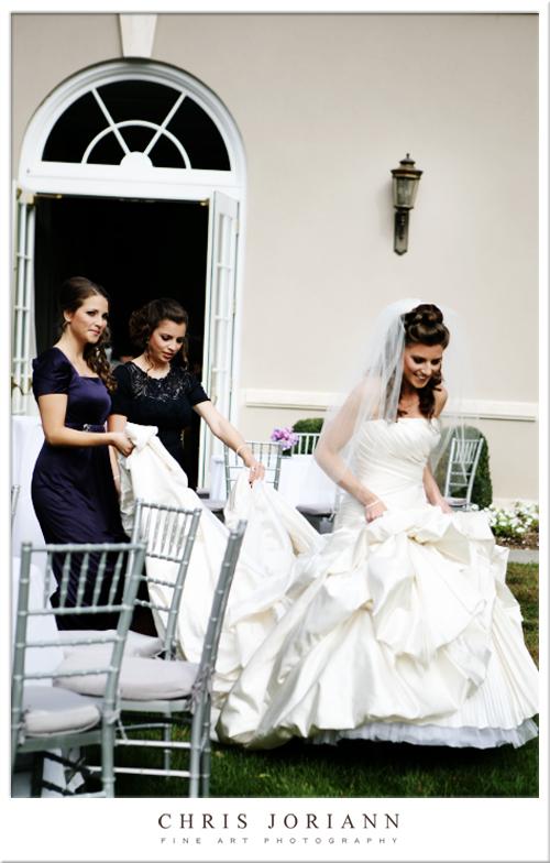 bride sisters walking
