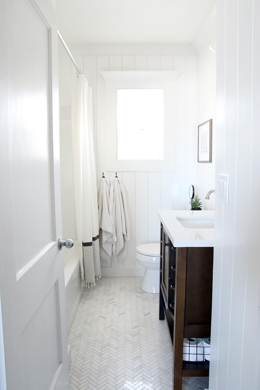 Small Bathroom Renovation How-To Videos - Chris Loves Julia on Small Bathroom Renovation  id=86039
