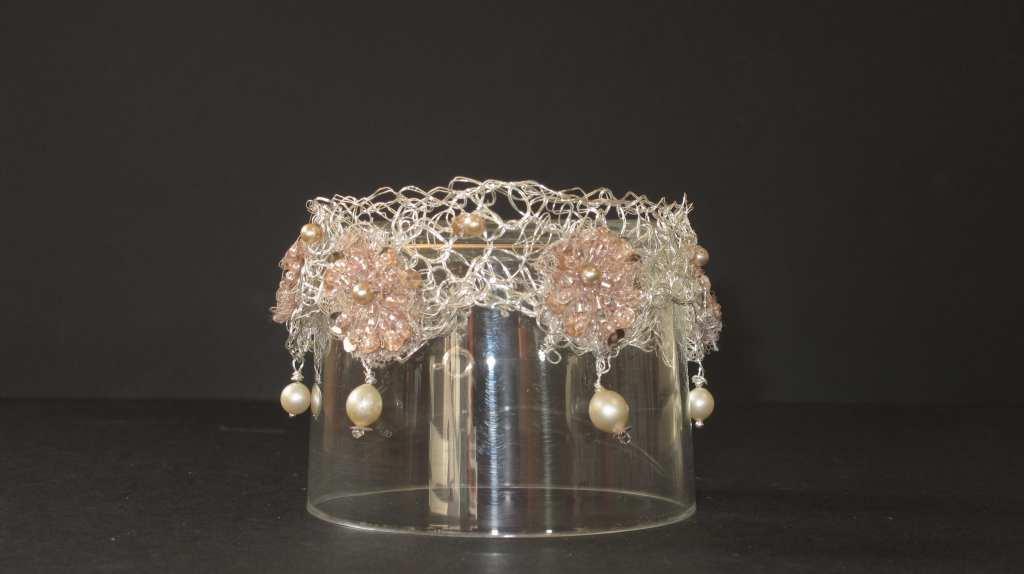 Bracelet de tour de bras -perles et tissu fournis par la mariée