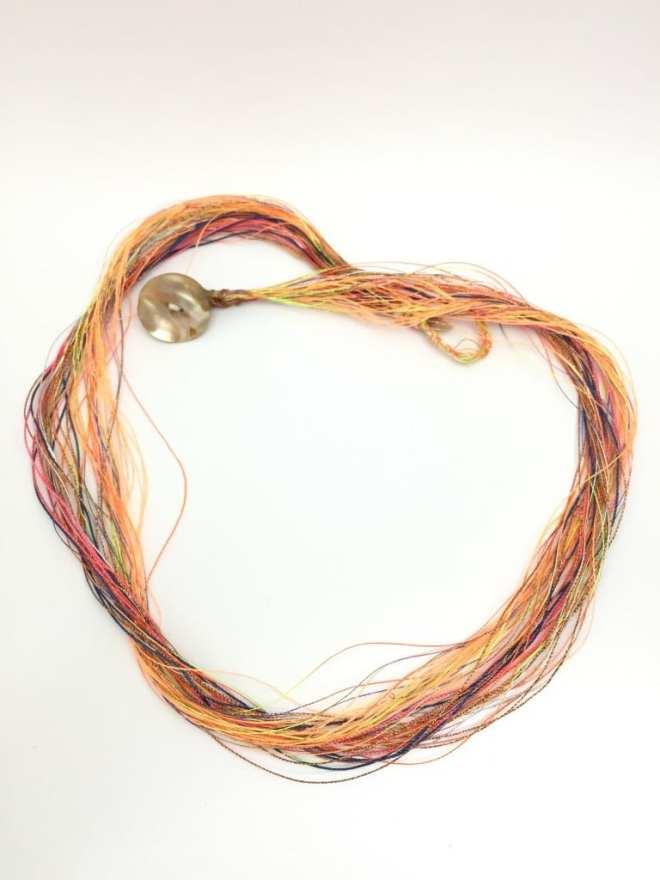 Bracelet-collier-multifils-orange-doré