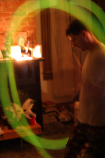 "Meron spinning ""fire"" at Jammy Jam '04"