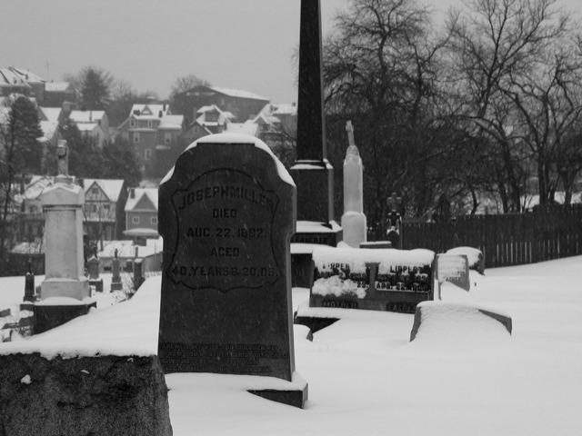 Snowy Grave 2