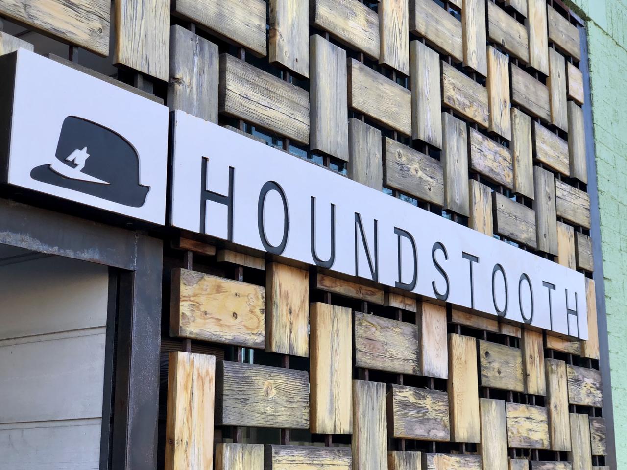 Status: Houndstooth