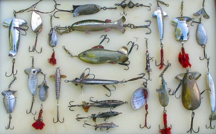 Antique and Early Fishing Lures - Chris Sandford