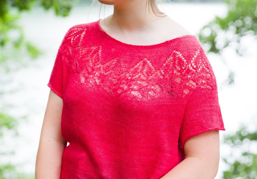 Valentine, top en pure soie rouge, vue de près