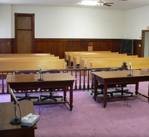 800px-Nuckolls_County_Courthouse_courtroom_4