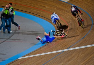 Bicycle accident_professional bike track