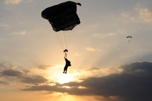 Advanced military free fall training