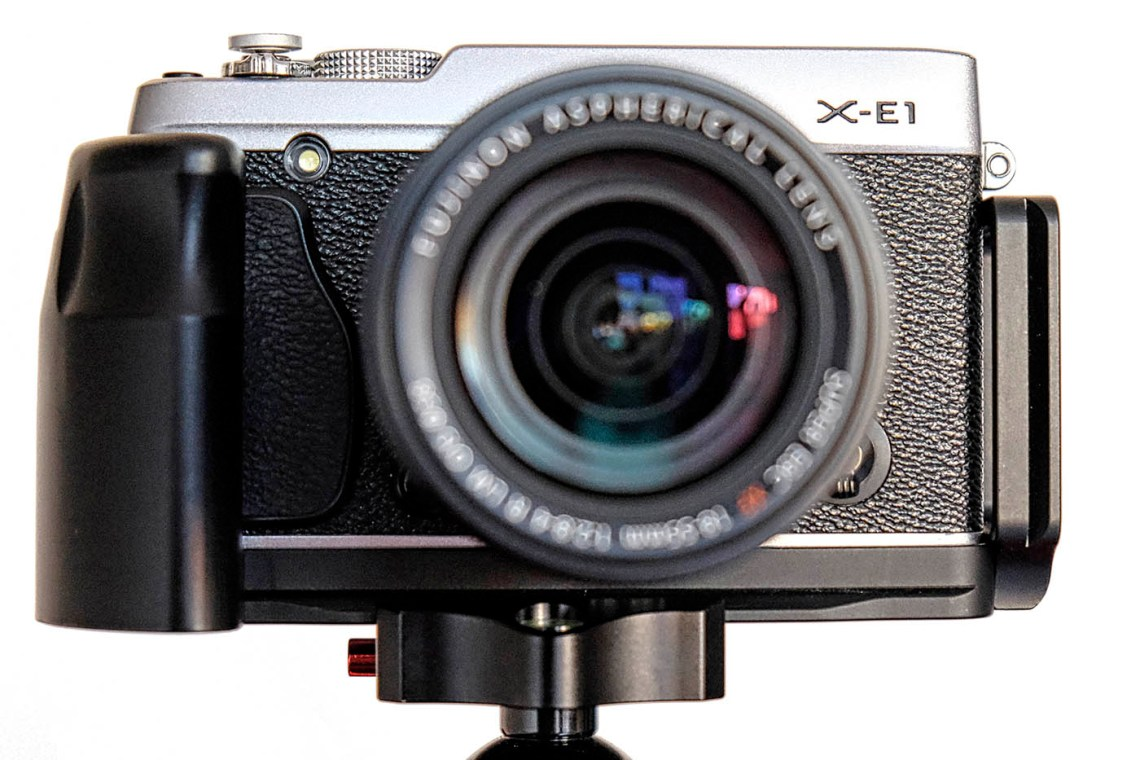 Fuji X-E1 mit Fittest Custom Bracket L.
