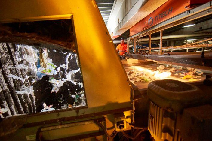 Recycling, Fotograf, Entsorgung, Abfallwirtschaft, Müll, Heizkraftwerk, Wertstoffhof, Industriefotograf, Wertstoffe, Strommstoff, Portfolio, Fotografie, Industriefotografie, Müllverbrennung, Nachhaltigkeit, Imagefotos, Energie, Unternehmensportrait, Köln