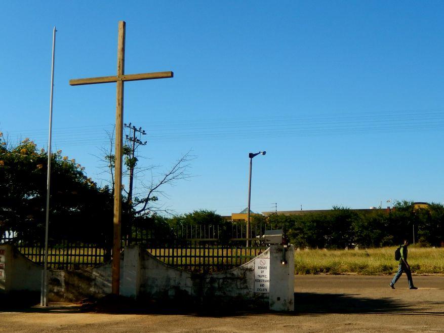 Cross 0074 WEB 01