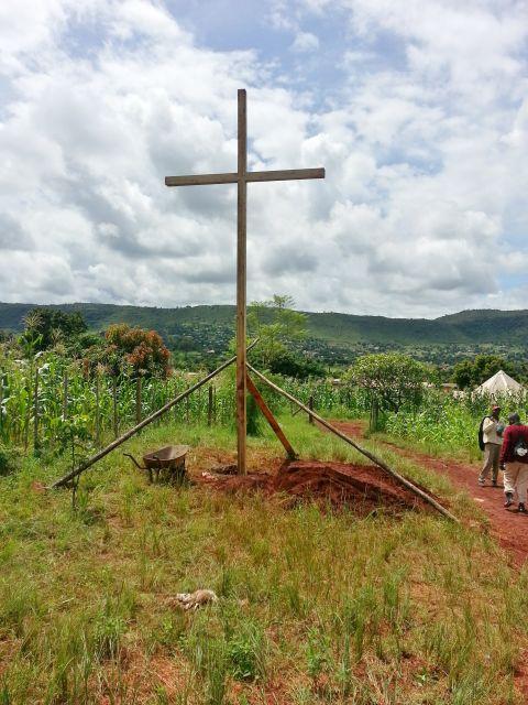 01 Cross 0058 Ngwenani Venda SA WEB