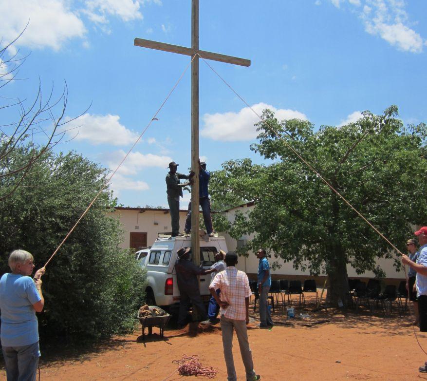 05 Cross 0055 Mochudi, Botswana WEB