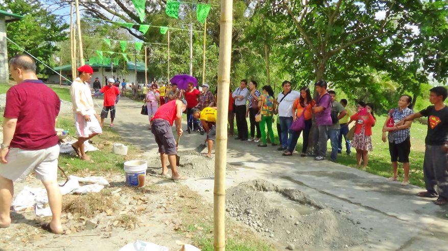 06 Cross 0054 Tarlac Philippines WEB