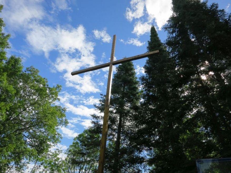 13 Cross 0031 Hultgren WEB