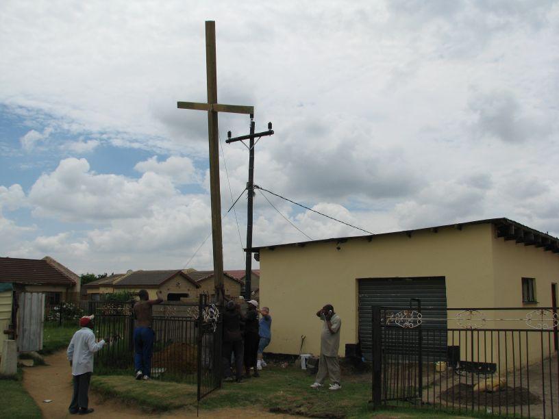Cross 0005 Madadeni 18