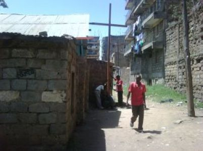 Cross 0009 Mathare North WEB 1