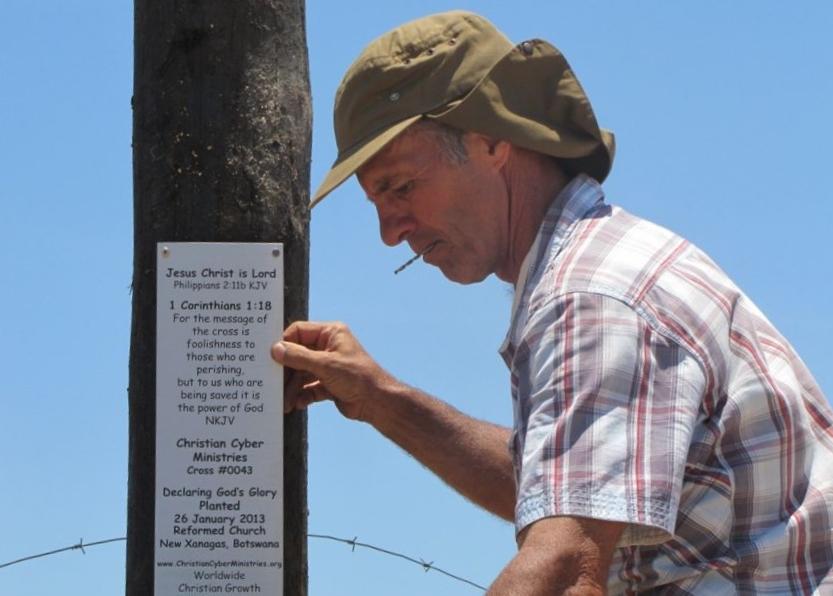 Cross 0043 New Xanagas Botswana Web 15