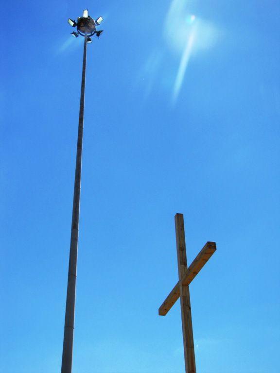 Cross 0048 Balfour SA web 19 EXTRA