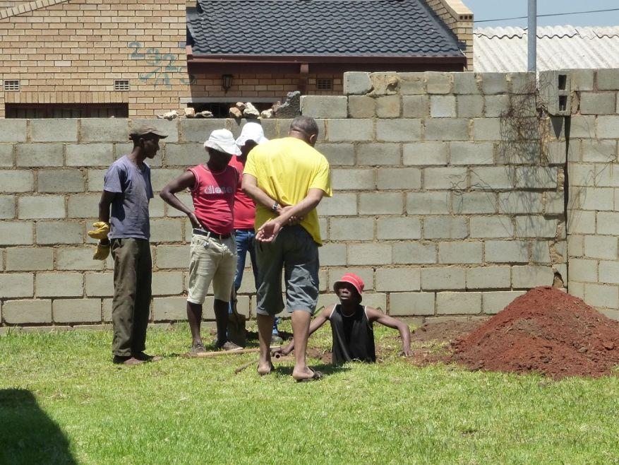 Cross 0063 Soweto - Zola SA Web 07