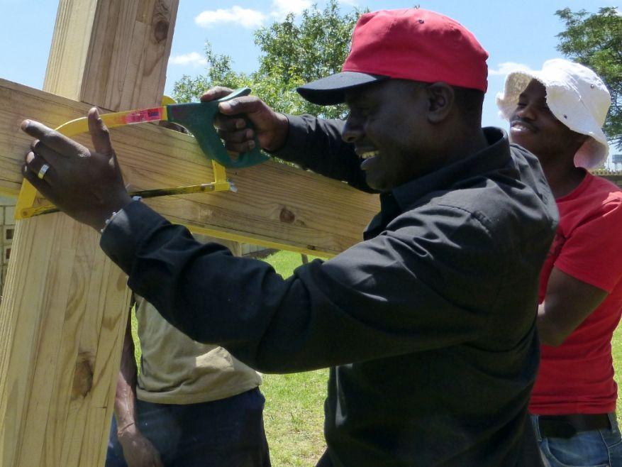 Cross 0063 Soweto - Zola SA Web 13
