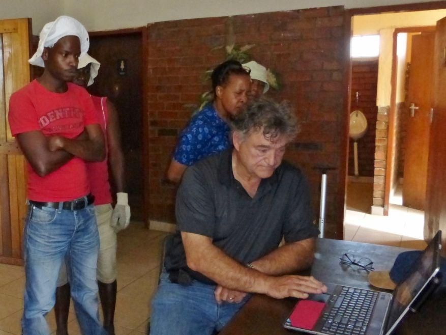 Cross 0063 Soweto - Zola SA Web 14