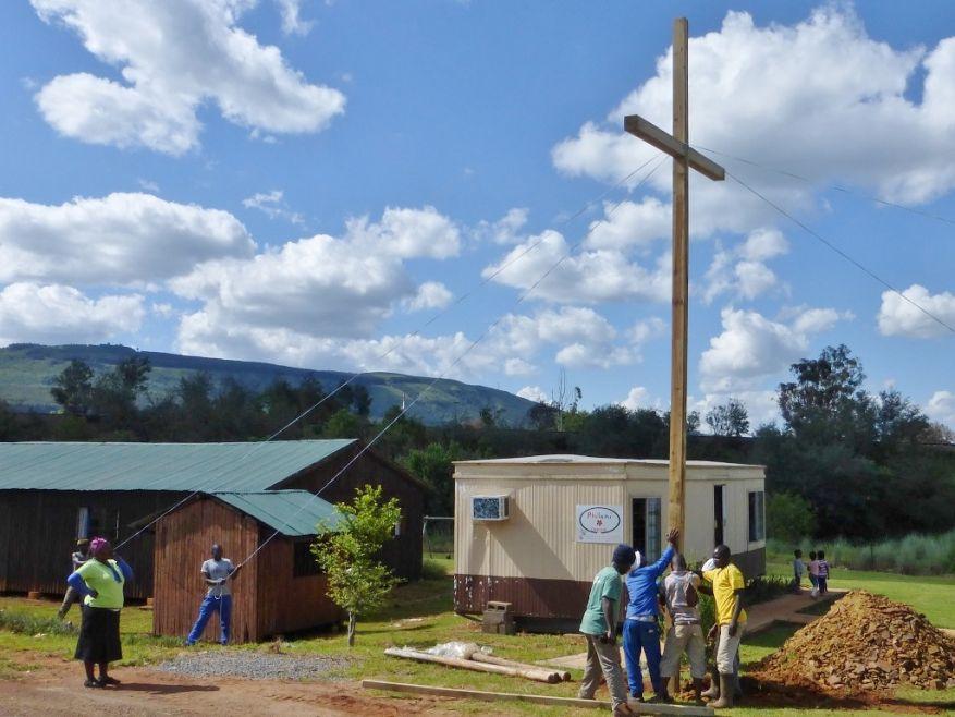 WEB 20 Cross 0062 Lindelani SA WEB