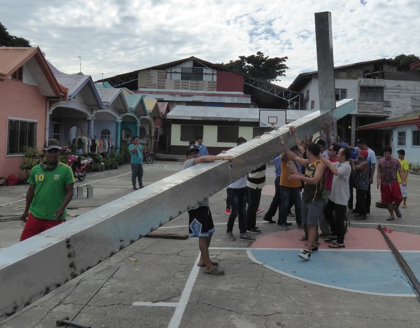 cross-0126-davao-city-phil-web-01