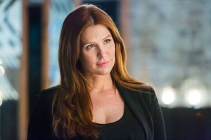 Poppy Montgomery guest stars as Holly O'Toole