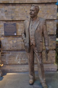 Kings Cross Statue