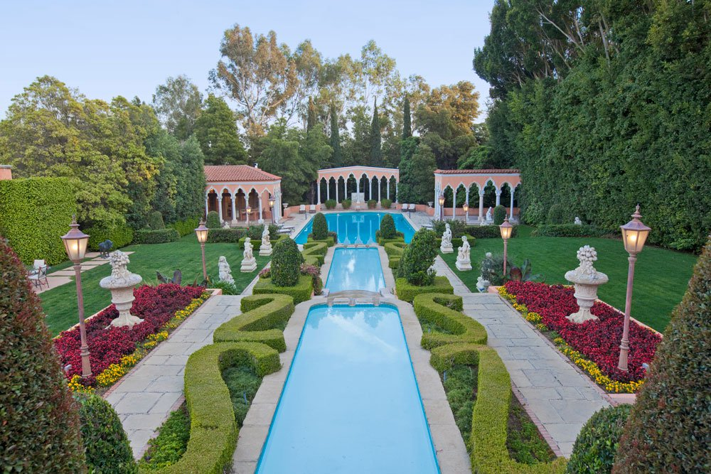 US$135 MILLION  The Legendary Beverly House in Los Angeles, California, is sited on approximately 6 flat acres atop a private knoll three blocks from Sunset Boulevard.