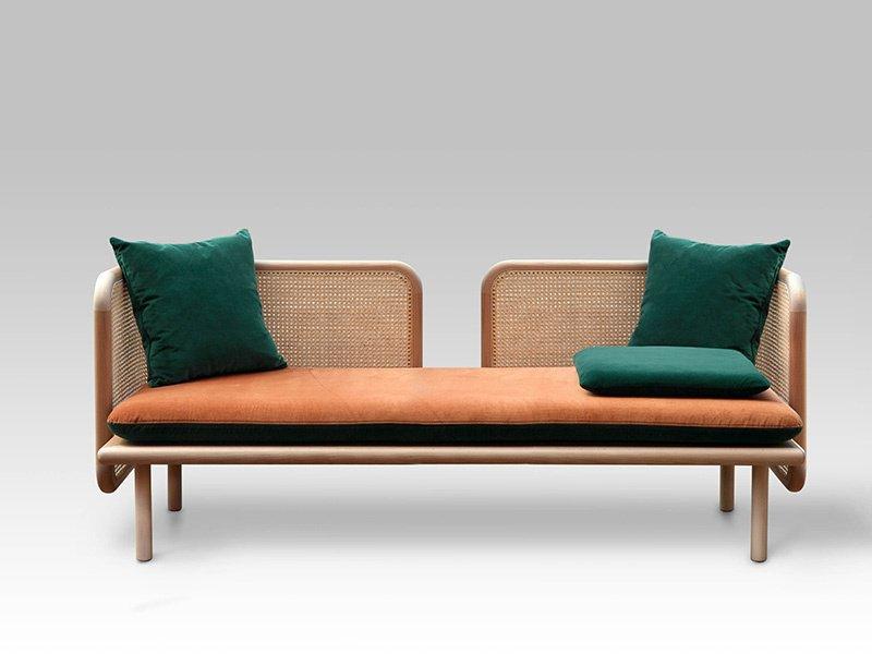 A coleção Hum do Studio Muar Diseño utiliza materiais naturais e técnicas tradicionais de fabricação para criar móveis contemporâneos.