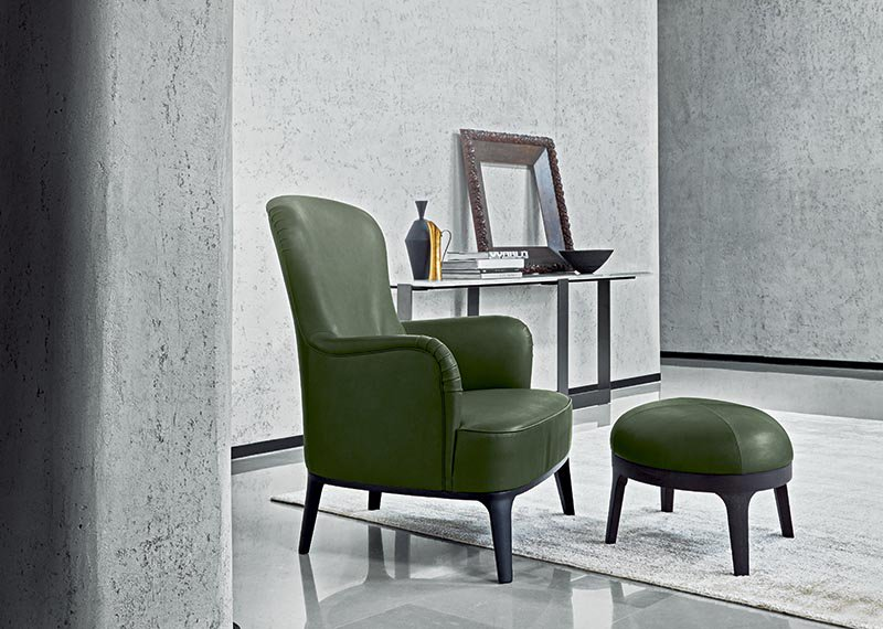 Flexform's Mood collection takes inspiration from furnishings produced in Europe during the last century, finding a balance between classical elegance and contemporary eclecticism.