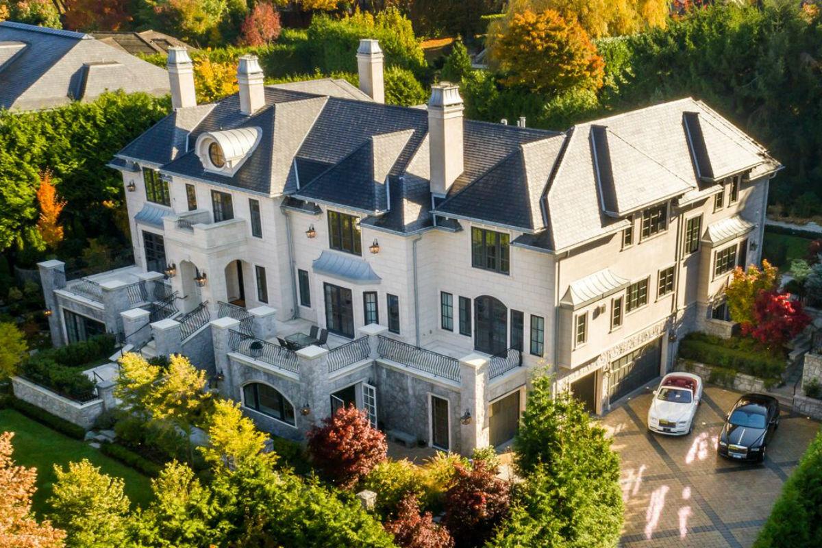 Chateau du Pine 1