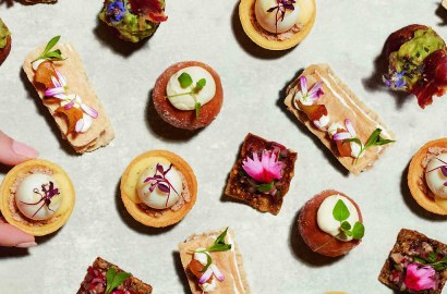 How to Host a Party Using the Best Caterers in the Business