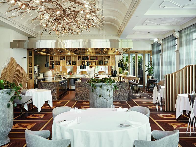 Restaurant-fine-dining-hotel-2020-travel