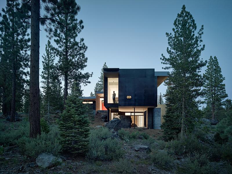 Creek House in California