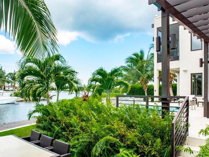 A luxury villa in Grand Cayman, Cayman Islands