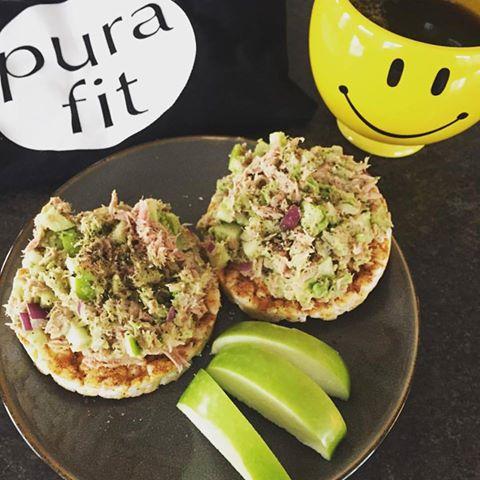 Tuna Avocado Rice Cakes